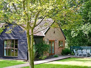 Self catering breaks at The Clock House - The Pottery in Cransford, Suffolk