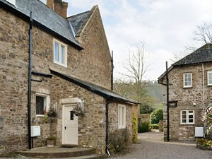 Self catering breaks at Luccombe Manor Cottages - Manor Cottage in Luccombe, Somerset