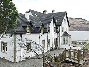 Self catering breaks at Wattie Cottage in Loch Katrine, Stirlingshire