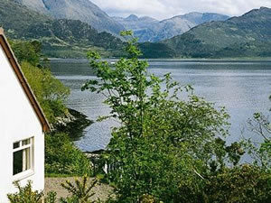 Self catering breaks at Shoreside in Inverinate, Ross-shire