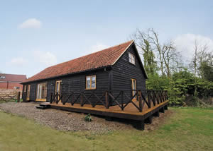 Self catering breaks at Moat Cottage in Beccles, Suffolk
