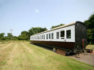 Self catering breaks at Railway Carriage Two in Brockford, Suffolk