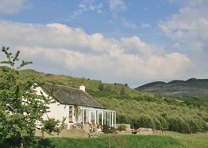 Self catering breaks at Blair Cottage in Loch Lomond, Stirlingshire